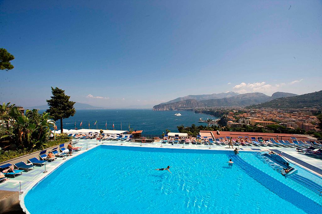 Hotel bristol sorrento hotel with pool sorrento - Hotel in sorrento italy with swimming pool ...
